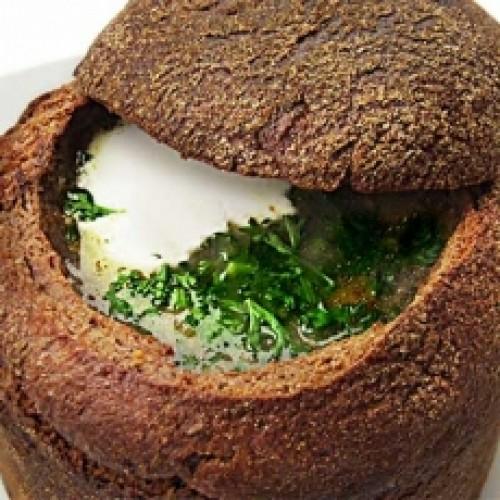 Похлебка грибная в хлебной чаше