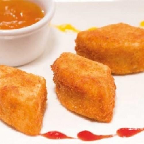 Сыр Камамбер с персиковом конфитюром