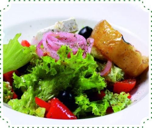 Салат Греческий с печеным яблоком