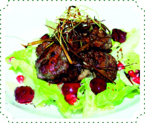 Салат с утиной печенью и трюфельным маслом