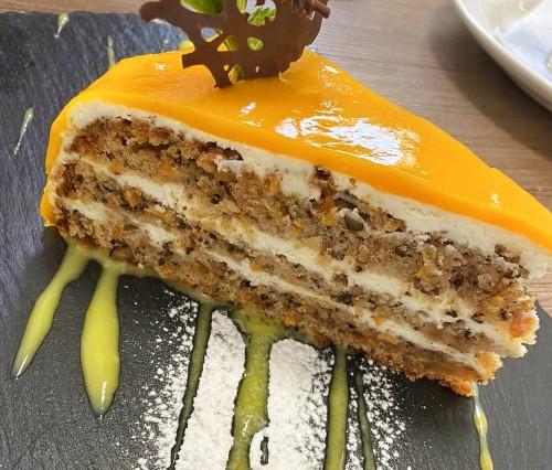 Морковно-манговый пирог