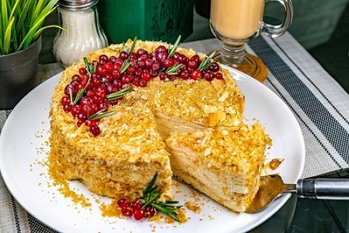 Торт Наполеон черничный пломбир