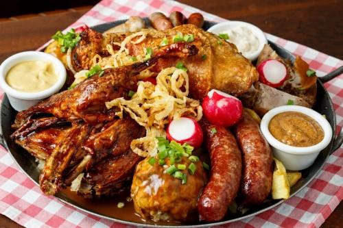 Большое баварское кушанье