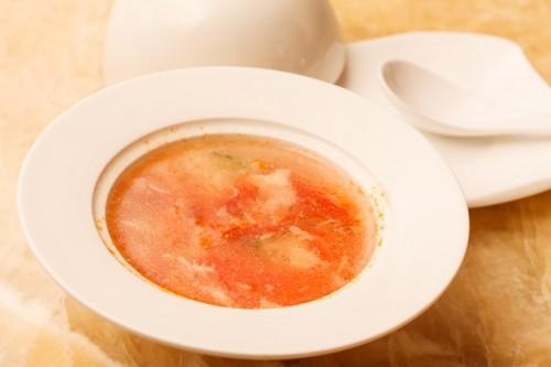 Суп с яйцом и томатами