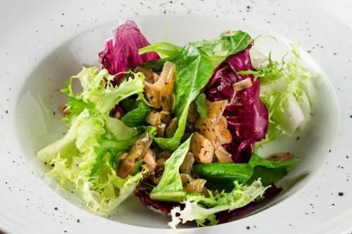 Салат с жаренными боровиками по-белорусски