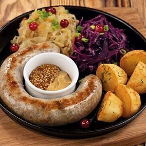 Беловежская колбаса с картофелем и тушеной капустой с хреном