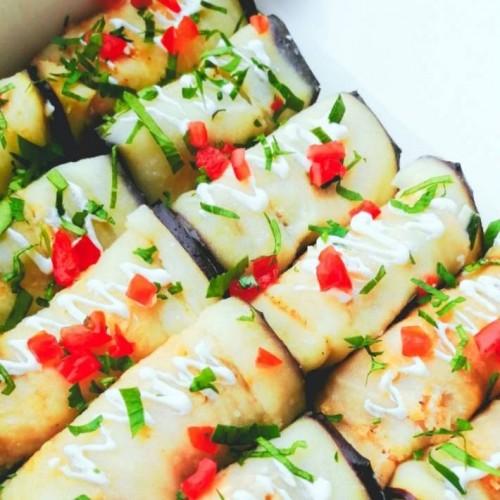 Рулетики из баклажанов с сыром и грецким орехом